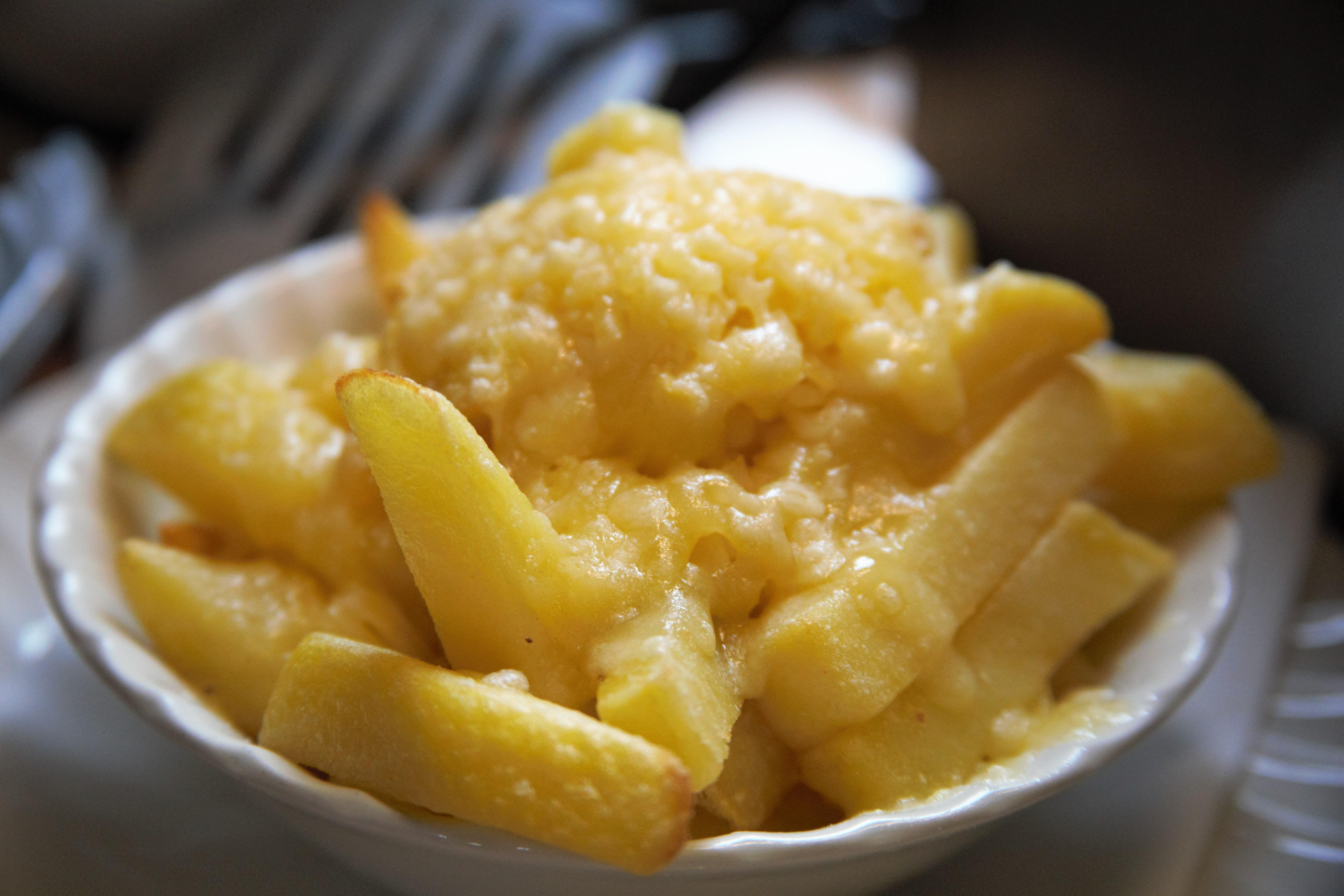 Barmy Barn's cheesy chips