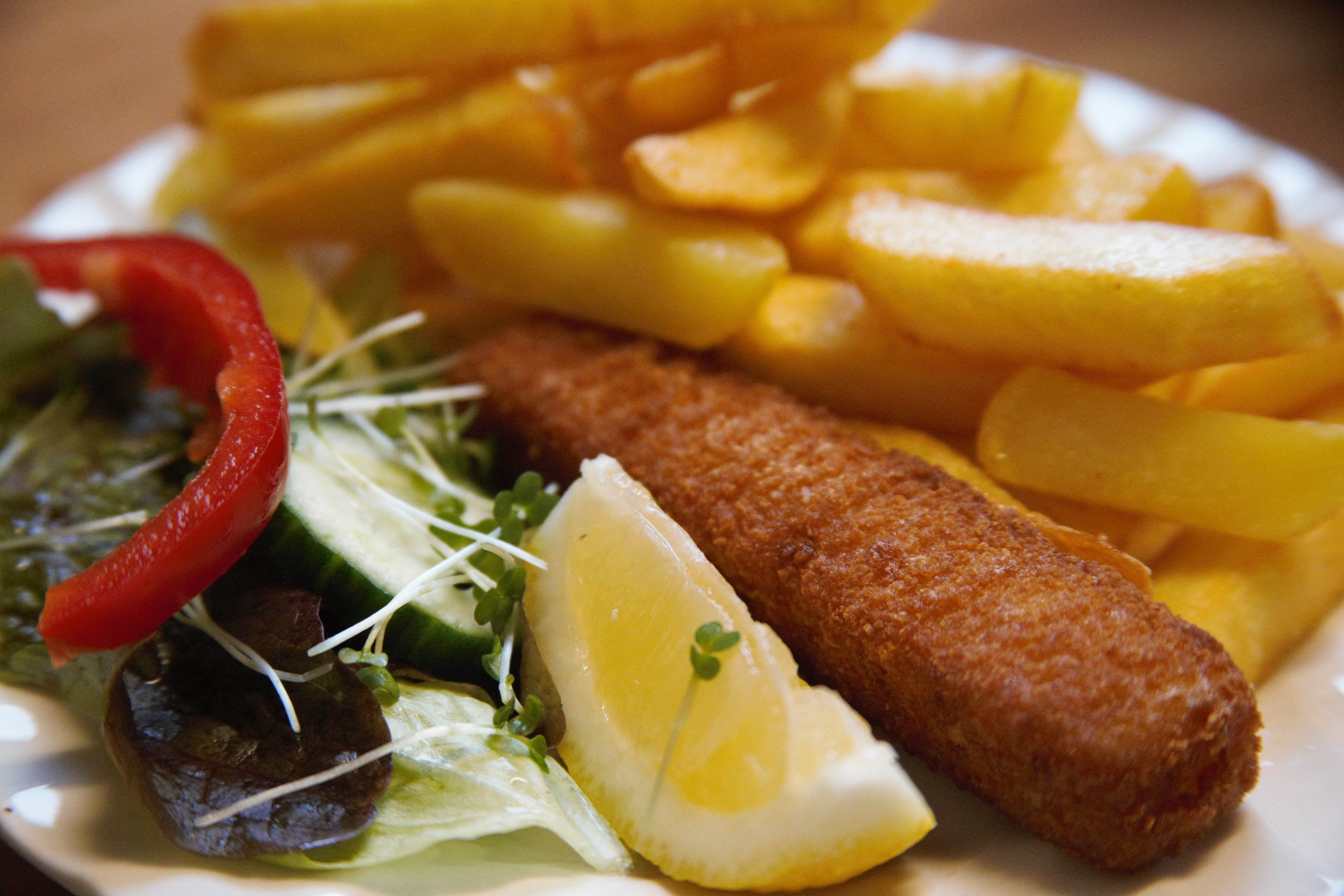 Barmy Barn, fish finger and chips